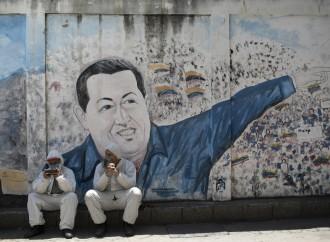 Venezuela, i medici muoiono e i vaccini si vendono in nero
