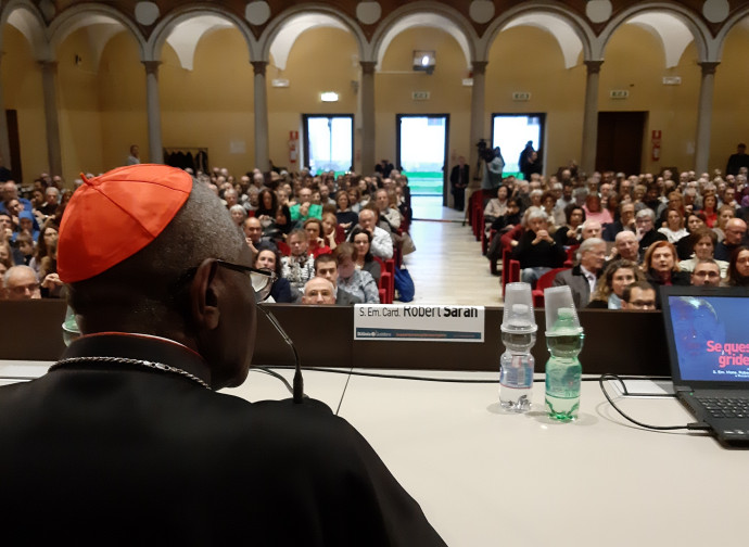 Il cardinal Robert Sarah a Milano