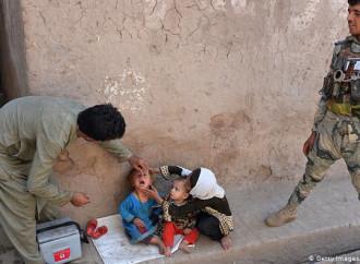 Tre infermiere uccise in Afghanistan mentre vaccinavano i bambini contro la polio