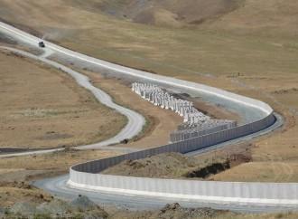 La Turchia costruisce un muro al confine con l'Iran