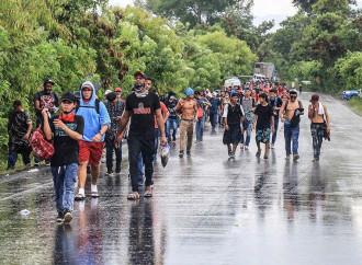 3.000 emigranti hanno forzato i confini del Guatemala diretti negli USA