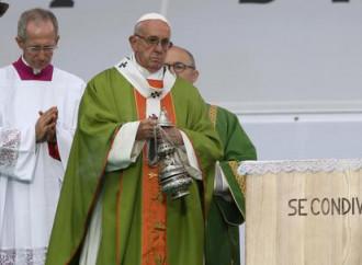 """Poveri, pane e Parola: il Papa """"riabilita"""" Lercaro"""