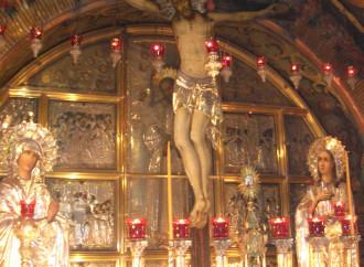 Papa: Alla messa si entra nel Calvario, non è uno spettacolo