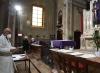 Gesù sloggia, c'è il vaccino: la sala d'attesa è in chiesa