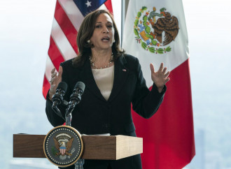 Kamala Harris e l'immigrazione: i messaggi contraddittori