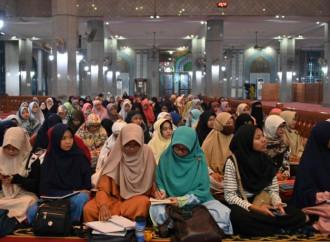 In Indonesia cresce tra i giovani il rifiuto del fidanzamento