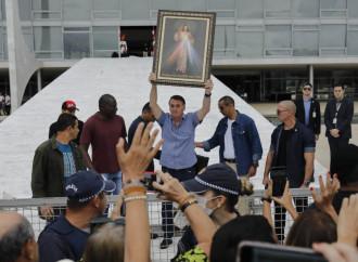 Bolsonaro condanna l'aborto, Fernandez no...e la Chiesa?