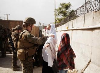 Biden: si resta a Kabul finché l'ultimo americano sarà rimpatriato