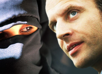 La lotta al secolarismo di Macron per esaltare l'islam