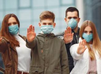 """""""Le mascherine fanno male alla salute dei nostri figli"""""""