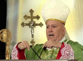 C'è un vescovo a Denver che dice no alla Chiesa mondana