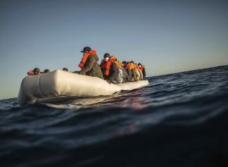 Salvare vite in mare. L'accoglienza non è l'unica risposta