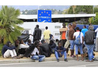 """I migranti, """"poverini"""", che usano Gesù come water"""