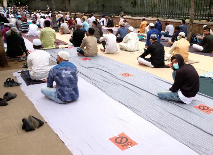 Musulmani in preghiera a Roma