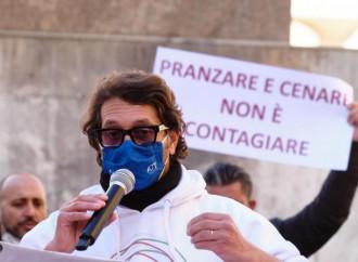 Italia ancora chiusa, ora cominciano le proteste